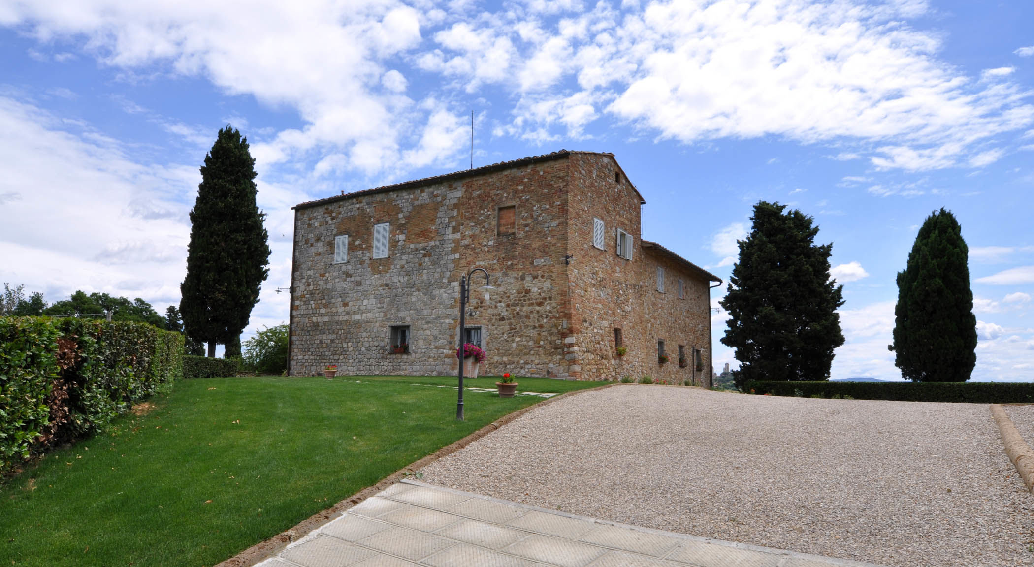 San Gimignano, Italia Apartamento #RU1400448